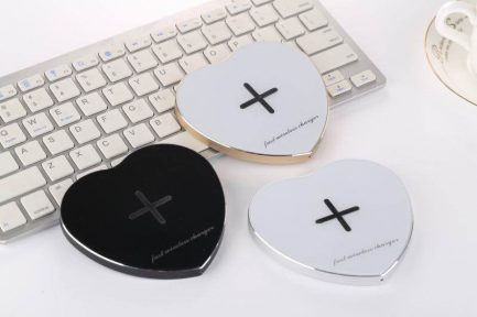 best price Heart-shaped Qi Wireless Fast Charging Pad Charger for Samsung S7 S6 Galaxy S8