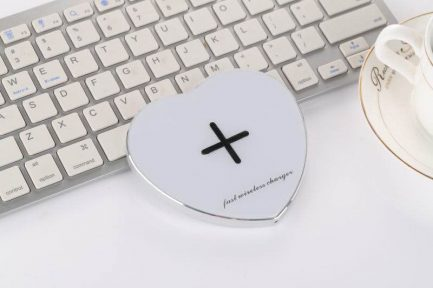 Low price Gex Smart Heart Fast Qi Wireless Charger iPhone X 8 & Samsung